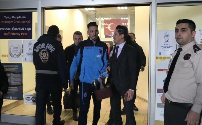 İstanbul'da Trabzonspor'a çoşkulu karşılama