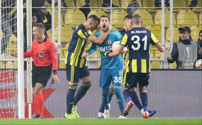 Penaltı sonrası Mehmet Topal - Harun diyaloğu: 'Eyvallah koçum!'
