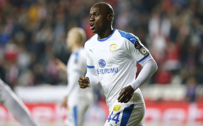 Antalya'da gol düellosunu Ankaragücü kazandı!
