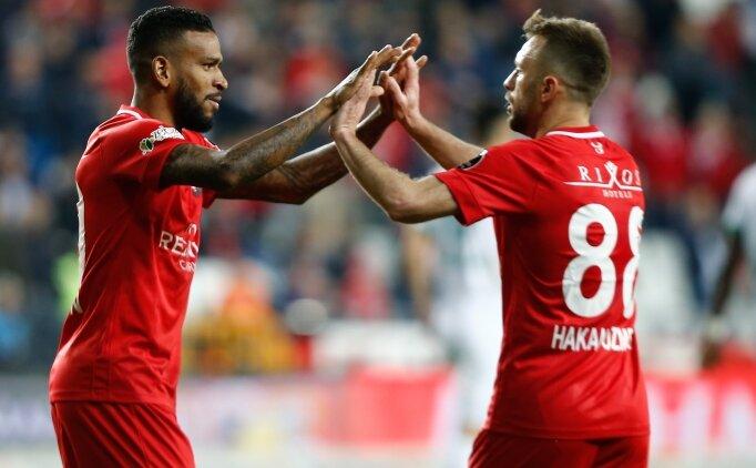Antalyaspor, G.Saray'ın acısını Alanya'dan çıkardı