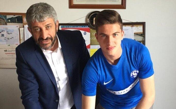 Beşiktaş ve Galatasaray istedi, imzaladı!
