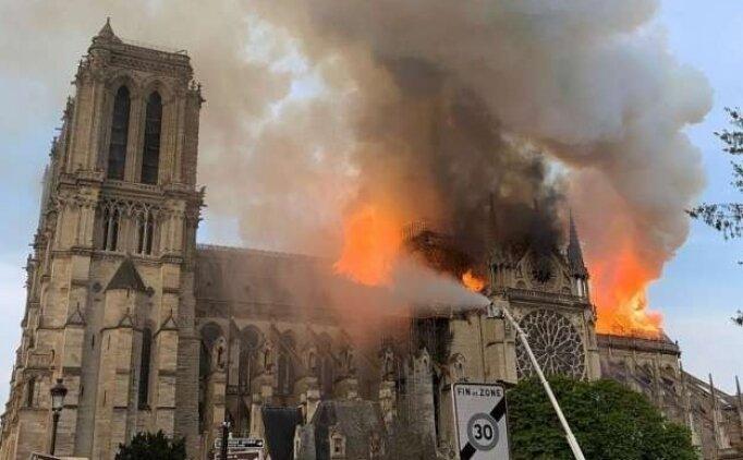 Notre Dame Katedrali neden yandı? Notre Dame Katedrali'nde yangın neden çıktı?