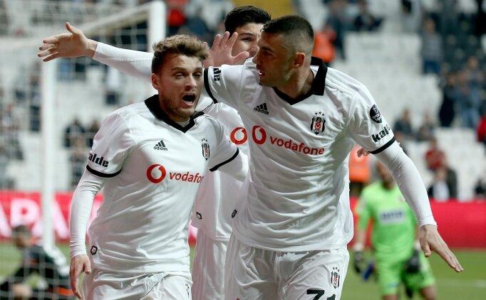Şifre: 'Ljajic atsın, Beşiktaş kazansın'