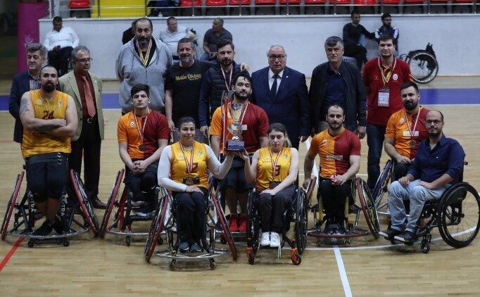 G.Saray, Beşiktaş'ı yendi, üçüncü oldu
