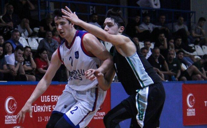 Anadolu Efes U16'da şampiyon oldu