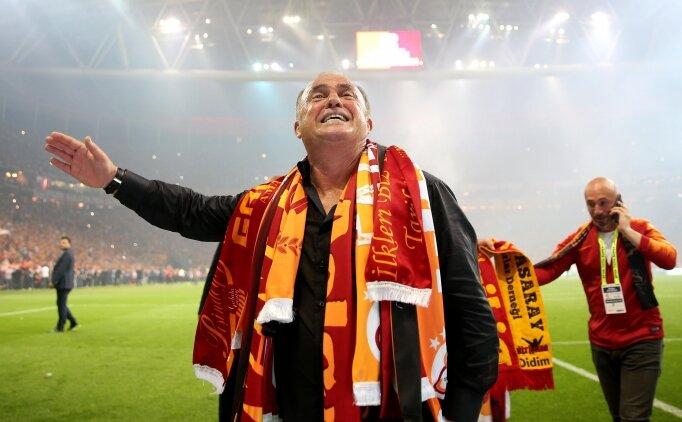 Galatasaray'dan Fenerbahçe'ye 'Ağlama' göndermeli tişört!