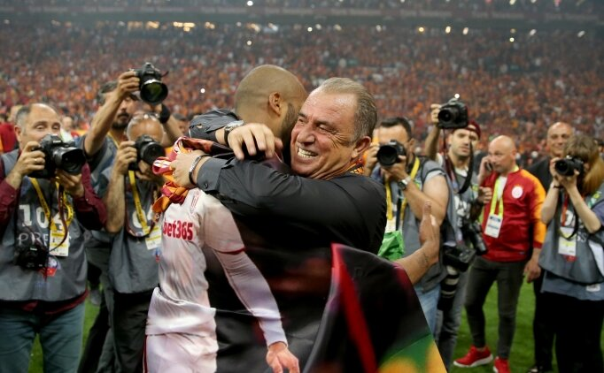 Fatih Terim: 'Look at the tabela'