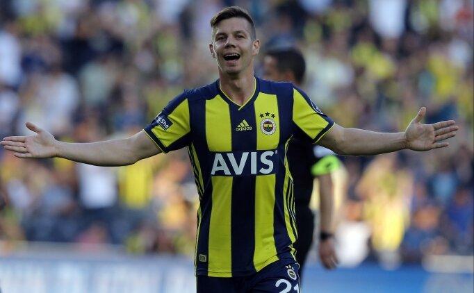 Miha Zajc'ın vurduğu gol oluyor