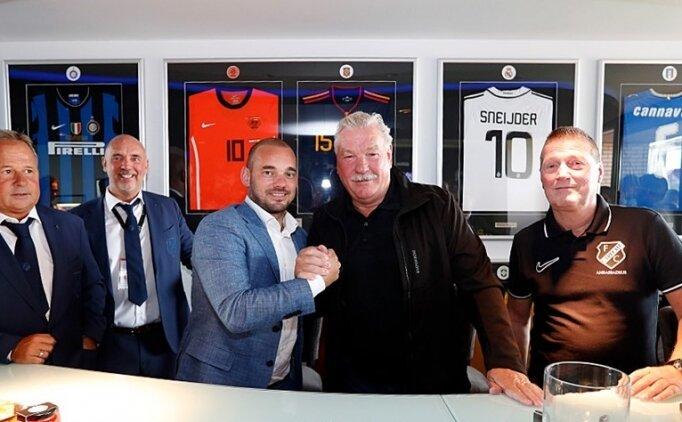 Sneijder futbolu bıraktı ve Utrecht'ten loca aldı!
