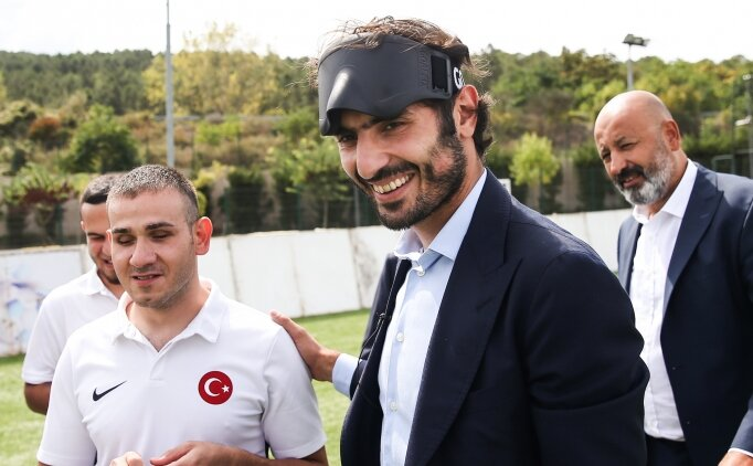 Hamit Altıntop'tan Sesi Görenler Milli Takımı'na destek