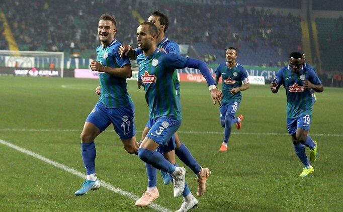35 dakika 10 kişi oynayan Rizespor, Antalya'yı devirdi!