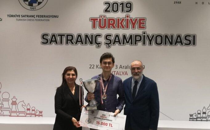 Satrançta 'Büyük usta' Vahap Şanal Türkiye şampiyonu oldu