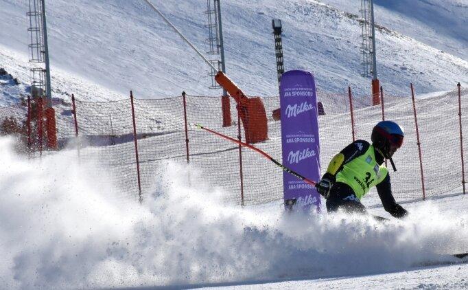 Alp Disiplini Uluslararası Murat Dedeman FIS Kupası