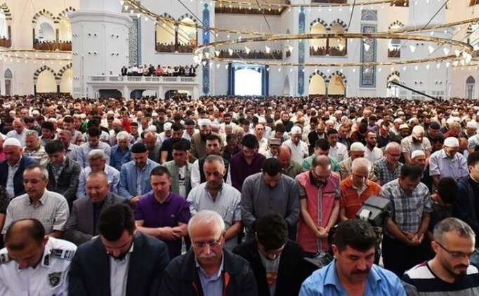 Ankara'da 6 Eylül Cuma Cuma namazı saat kaçta? Ankara Cuma Namazı saatleri ilçelere göre