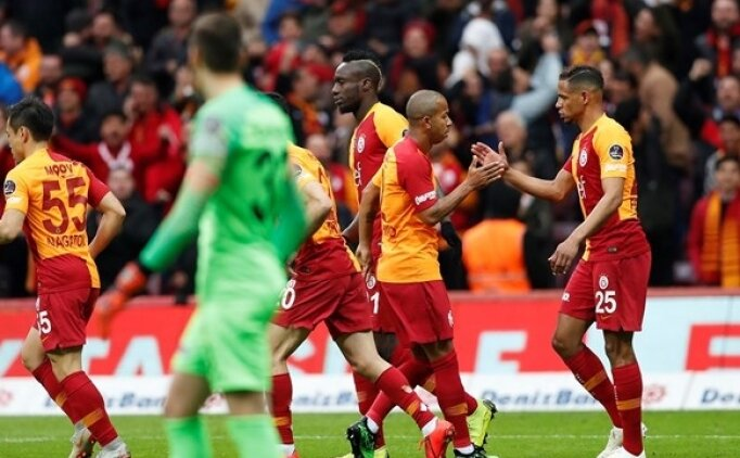 Galatasaray geri dönüşte zirveye oynuyor