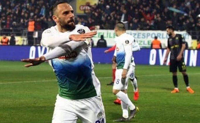 Fenerbahçe'ye Türkiye'den forvet; Vedat Muriqi