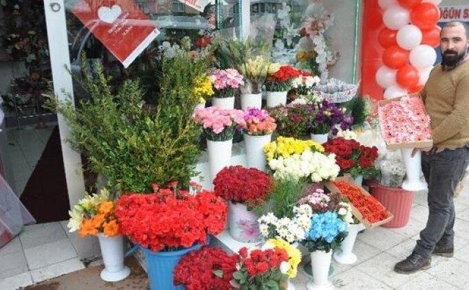Sevgililer günü hediyesi kadınlar için ne alınabilir? Sevgiliye hediye alma