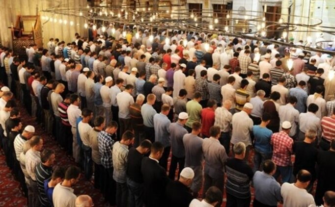 Ankara'da 9 Ağustos Cuma Cuma namazı saat kaçta? Ankara Cuma Namazı saatleri ilçelere göre