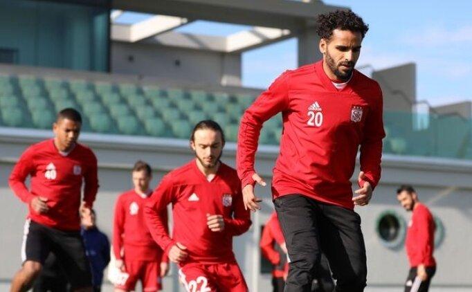 Beşiktaş Douglas transferi için beklemeye geçti