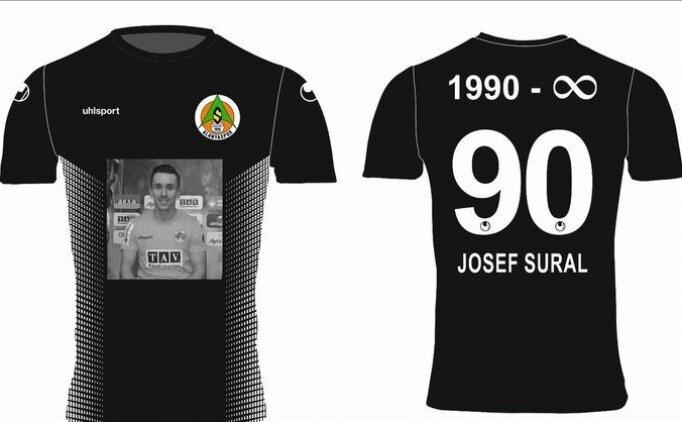 Alanyaspor'dan Josef Sural için özel tişört