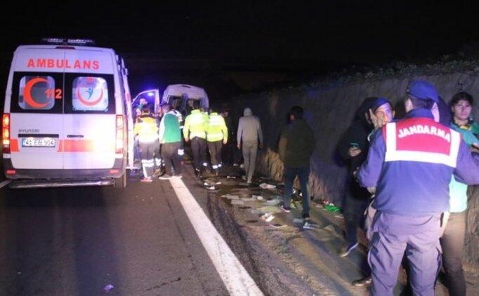 Bursaspor taraftarını taşıyan minibüs kaza yaptı!