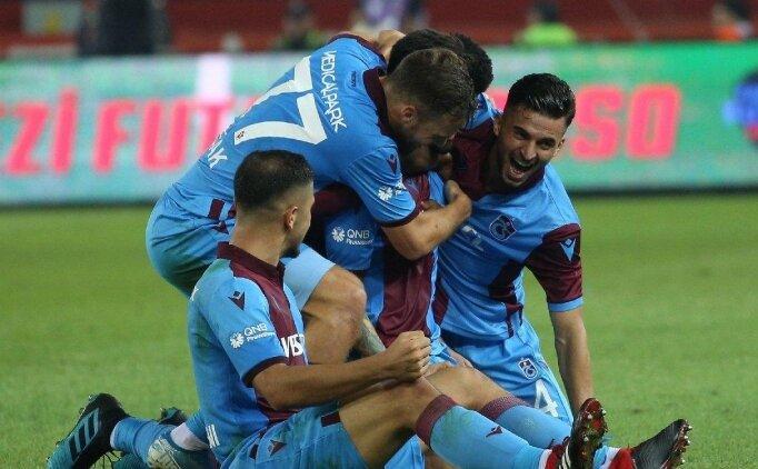 Trabzonsporlu eski ve yeni yöneticilerden forma desteği