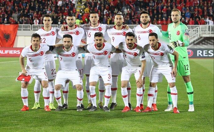 Hakan Çalhanoğlu: 'Kendimden eminim, kafamı öne eğmem'