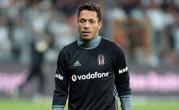 Adriano cephesinden transfer yanıtı! 'Teklifler...'