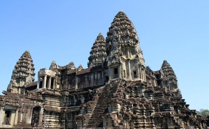 Dünyanın en büyük dini yapısı olan ''Angkor Wat'' hangi ülkededir? Kim Milyoner Olmak İster