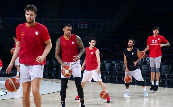 Galatasaray, sezon hazırlıkları için İtalya'ya gitti