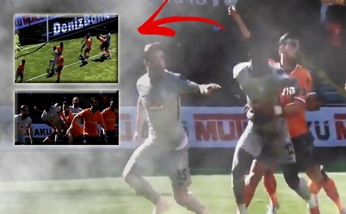 Başakşehir - Rizespor maçında 'penaltı' tartışması!