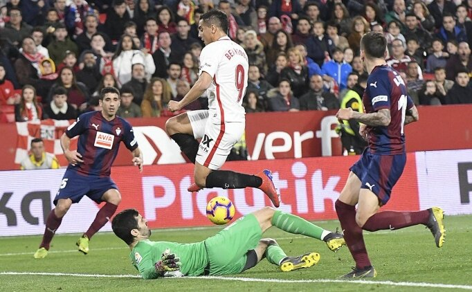 Sevilla, 10 kişi kaldıktan sonra geri döndü!