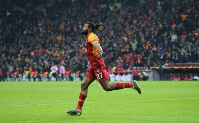 Galatasaray'da 3 futbolcu ceza sınırında