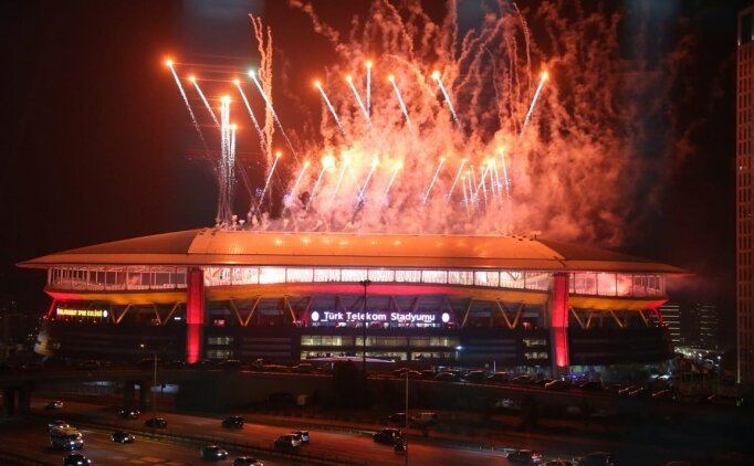 Galatasaray'dan 9 sezona 13 kupa