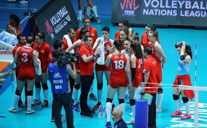 Kadın Milli Voleybol Takımı, İtalya'ya mağlup oldu