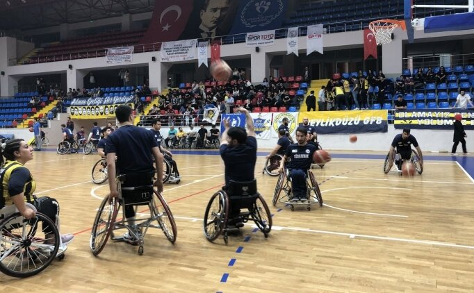 Tekerlekli sandalye basketbolunda şampiyon Fenerbahçe
