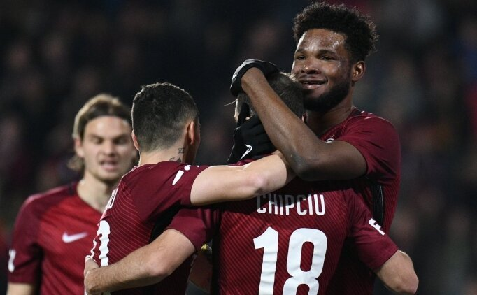 Galatasaray'ın ilgilendiği Tetteh'in menajeri açıkladı