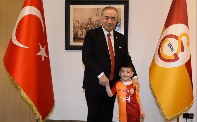 Mustafa Cengiz, minik taraftarı Duhan Emir'i  ağırladı