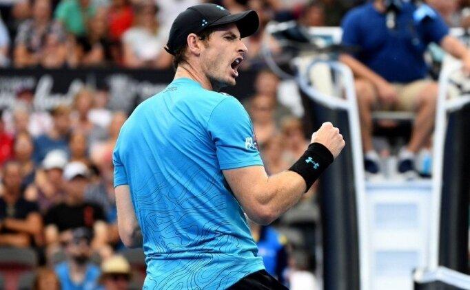 Andy Murray galibiyetle döndü