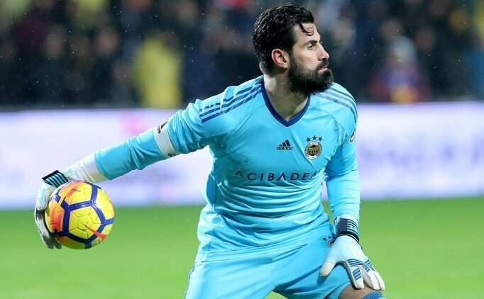 Volkan Demirel'in Fenerbahçe'de kalma ihtimali %50!