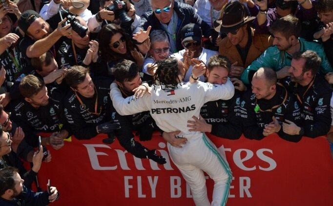 Hamilton'ın önünde yalnızca Schumacher kaldı