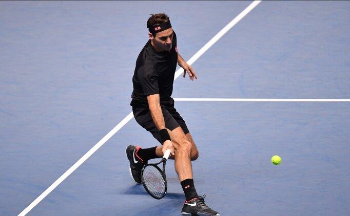 Federer, Djokovic'i yıktı, yarı finale çıktı!