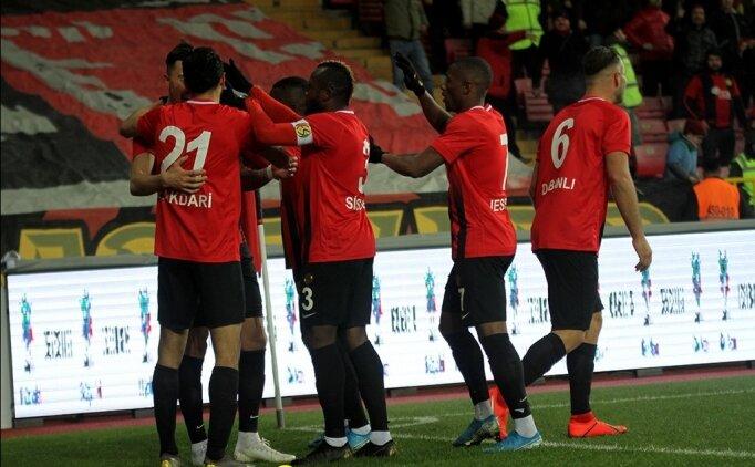 Eskişehirspor 3 attı, 3 aldı!