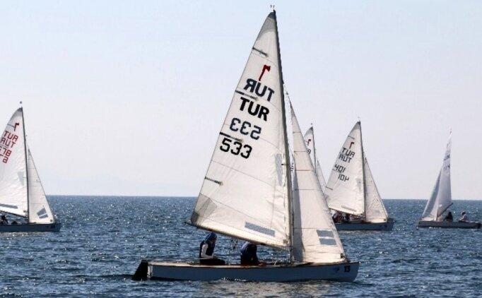 Pirat Şampiyonası'nda 7 ülkede 116 sporcu kıyasıya yarışıyor