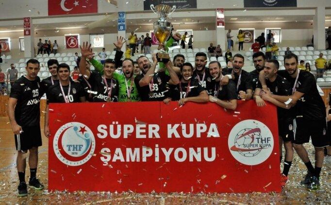Beşiktaş 16. kez Süper Kupa'nın sahibi oldu
