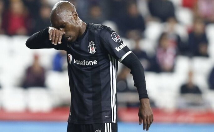 Beşiktaş'ta Atiba Hutchinson kararı! Yeni kontrat...
