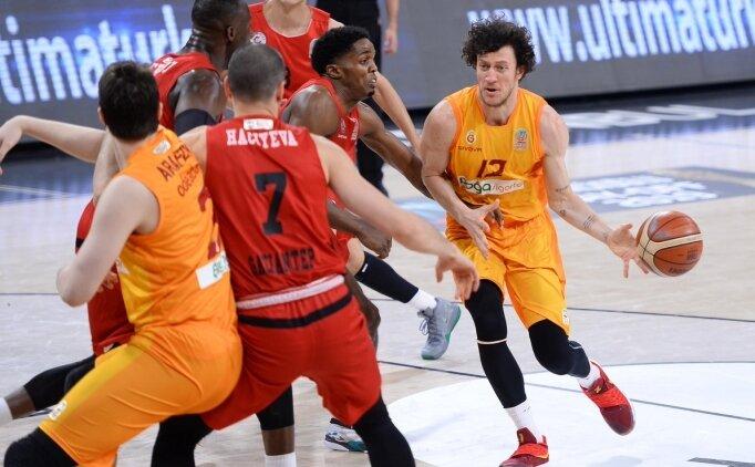Galatasaray, 18 sayı farkla seride 1-0 öne geçti!