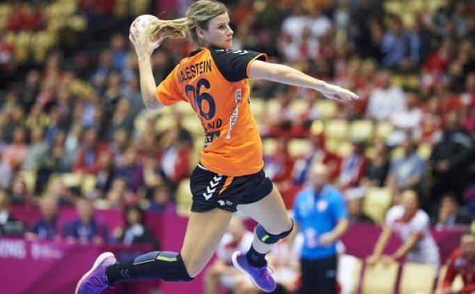 Hollanda, tarihinin ilk şampiyonluğunu aldı