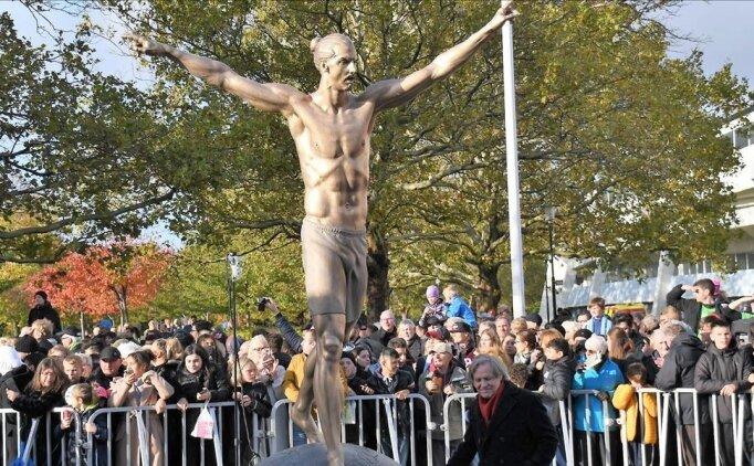 İbrahimovic'in heykeline 3.saldırı