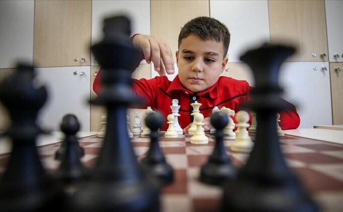 8 yaşındaki Yağız Kaan, Dünya Şampiyonu olmak istiyor